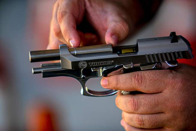 過去七天紐約市發生47起槍擊案,比去年同期相比增加176%,其中包括14宗謀殺案。(Getty Images)