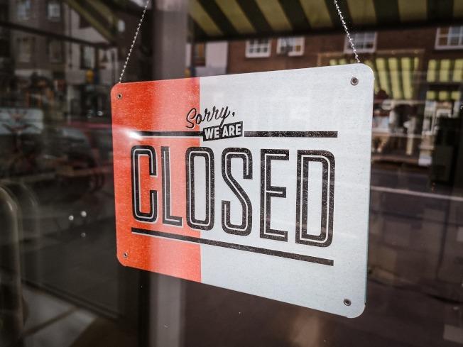 一名新墨西哥州餐廳老闆在疫情期間貼出公告寫道「暫停營業,你們可以感謝中國」,引發輿論爭議。這家餐廳由於違反州政府頒布禁止堂食等防疫規定,如今遭到吊銷執照。圖為示意圖。(Pixabay)