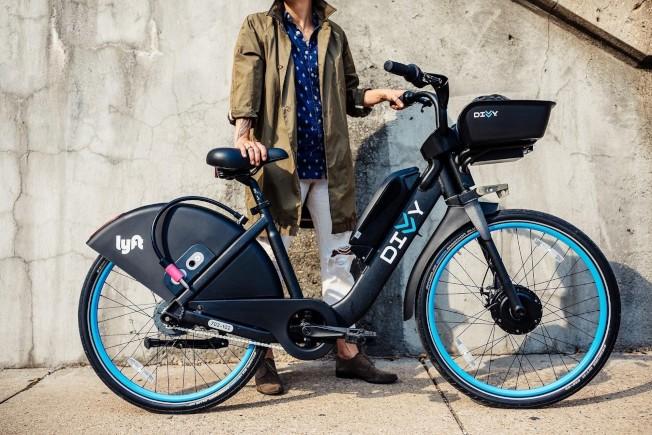 時速可達15哩的電動自行車29日在芝加哥推出。(Divvy Bikes)