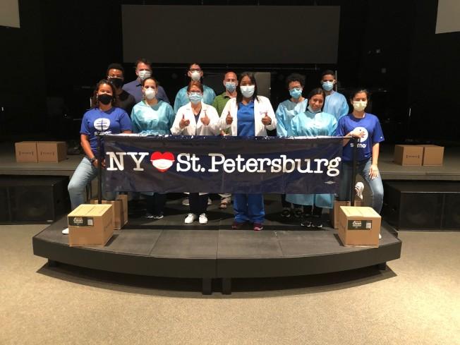 紐約州幫助佛州聖彼得堡市設立一個新冠病毒檢測點,預計每天檢測500次。(紐約州長辦公室提供)