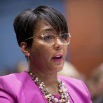 白登女副總統可能人選 亞特蘭大市長染疫