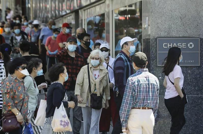 紐約市11日通報零死亡,為爆發疫情以來首見。(美聯社)