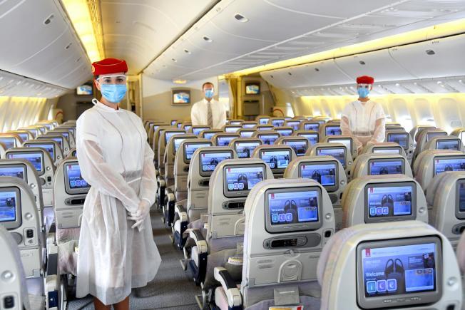 乘客若不幸在旅途中染疫,阿聯航空將提供新冠肺炎相關醫療費。(取材自推特)