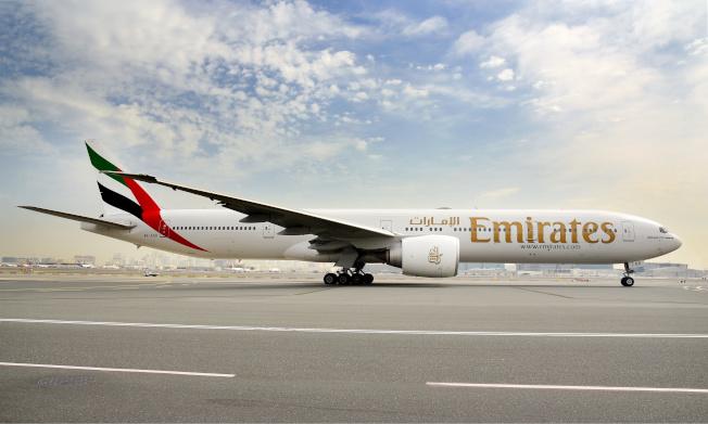 乘客若不幸在旅途中染疫,阿聯航空將提供新冠肺炎相關醫療費。(路透)