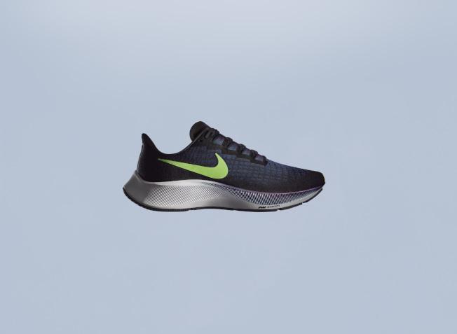 跑鞋要注意透氣性,跑步時能提供良好緩衝。(圖:Nike提供)