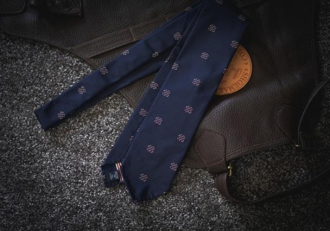 多數的父親會認為收到領帶,比較像是工作用途,而不是禮物。(圖:Oak Room提供)