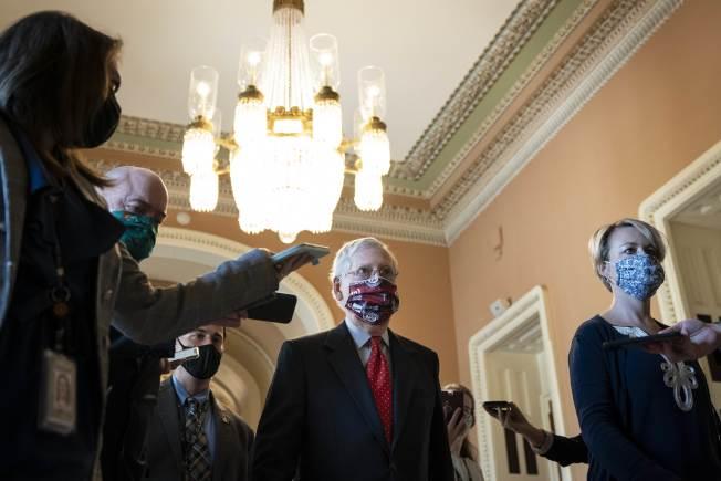 國會兩黨連日來就新紓困法案進行談判,但始終無法達成共識,圖為參院多數黨領袖麥康諾。(Getty Images)