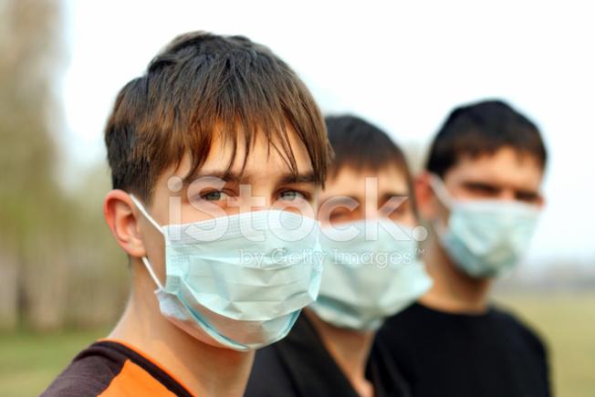 7月1日至今,在加州所有確診者之中,三分二的人都是18歲至49歲,反映出年輕人和中年感染的可能性大增,比疫症開始爆發時大不相同。(Getty Images)