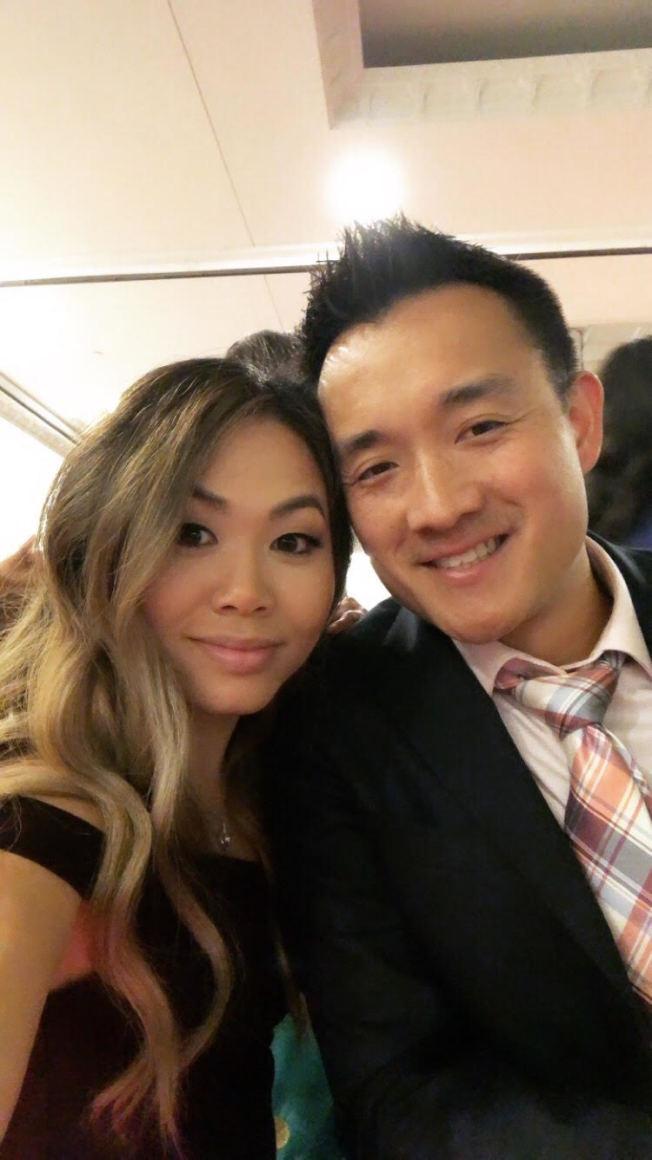 陈惠儿与未婚夫Jeffrey原订7月16日举办婚礼,但因疫情推迟,她在原计画婚礼的前一天前往德州支援。(陈惠儿提供)