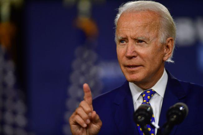 民主黨準總統候選人白登民調領先,但大選前兩黨還將有系列攻防戰。(Getty Images)
