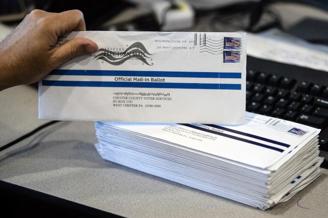 通訊投票越來越受歡迎,但也有很多選民擔心遭到詐欺;賓州州府7月31日宣布,將負擔11月大選郵寄投票的郵資。(美聯社)