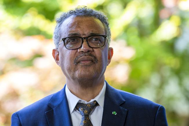 7月31日,世衛秘書長譚德塞(Tedros Adhanom Ghebreyesus)接受委員會建議,新冠肺炎依舊構成「國際關注公共衛生緊急事件」(PHEIC)。(美聯社)