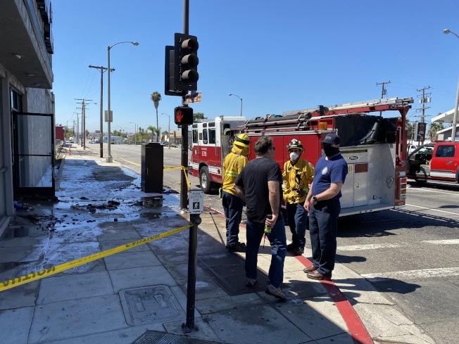 聖蓋博消防局接到報案後,隨即前往現場撲滅火勢。(讀者提供)