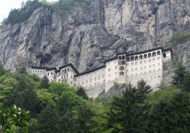 土耳其黑海地區有1600年歷史的蘇美拉修道院,經整修後正式對外開放。路透資料照片