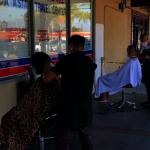 髮廊搬戶外 生意更紅火