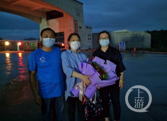 李思俠在今年6月16日獲取保候審,被羈押638天後首次與家人團聚。(取材自上游新聞)