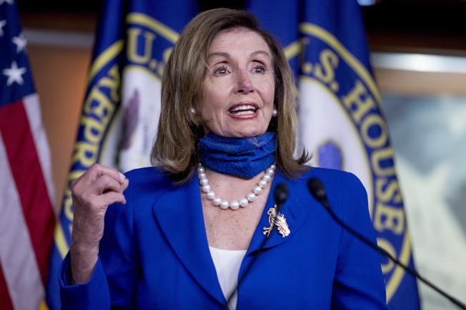 民主黨眾院議長波洛西2日表示,民主黨希望繼續提供失業勞工600元津貼,但共和黨提議的金額只有每周200元,「根本不夠。」(美聯社)