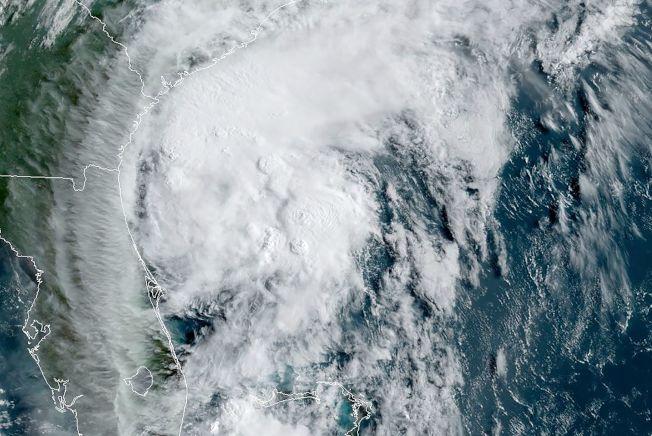 熱帶風暴「伊賽亞斯」周二將為大華府地區帶來狂風暴雨,圖為3日的衛星雲圖。(Getty Images)