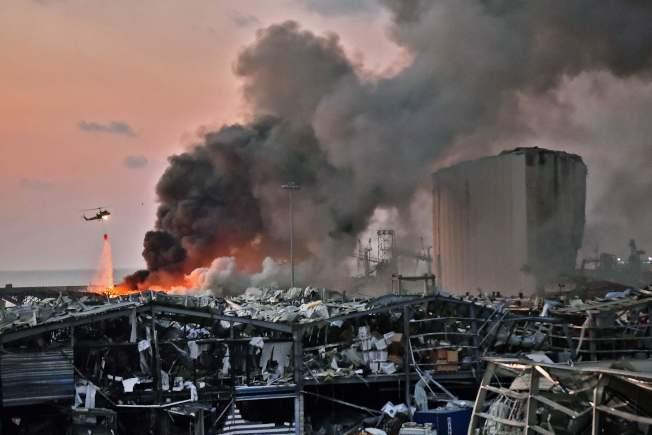 黎巴嫩首都貝魯特市中心附近港區今天發生大爆炸,衛生部長哈山表示已造成至少78人喪生和近4000人受傷。(Getty Images)