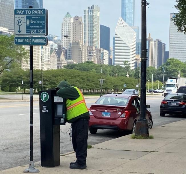 芝加哥路邊停車計時收費去年收入將近1.4億。(特派員黃惠玲╱攝影)