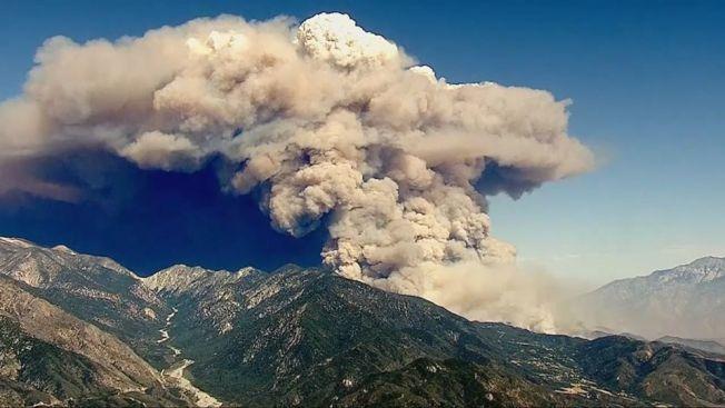蘋果大火已燃燒逾2萬6000英畝,僅控制15%。(FOX電視台截圖)