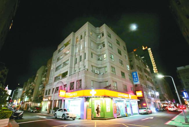 春露公司隱身在台北市東區的一棟大樓五樓。(記者林澔一/攝影)