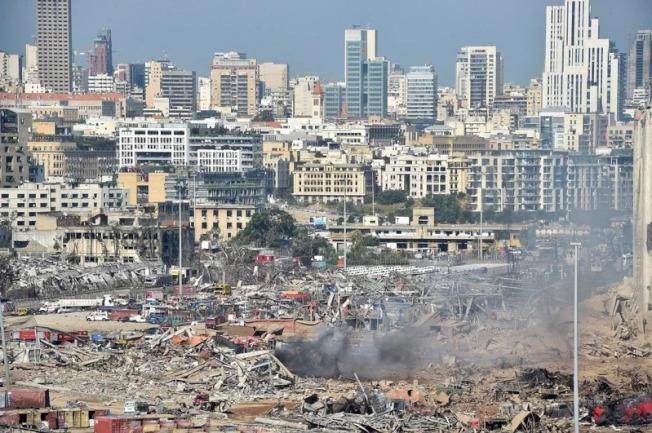 黎巴嫩貝魯特發生大爆炸,貝魯特省長阿布德(Marwan Aboud)對法新社表示,這場爆炸造成30萬人無家可歸,對大半個城市造成破壞,損失估計超過30億美元。歐新社