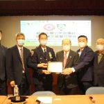紐約中華公所頒獎市警三星警司陳文業榮休