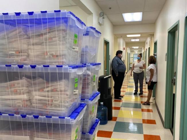 伊州平均每日新冠病毒檢測量逾四萬。(州長辦公室)