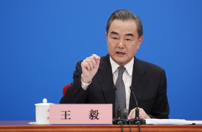 王毅5日闡述北京對當前中美關係應對策略,「硬中帶軟」向美提出四大清晰框架。(中新社)