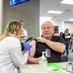 新冠未走、備戰流感…「9月前打流感疫苗」