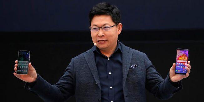 余承東曾表示,如果沒有美國限制,華為手機出貨量去年就能趕超三星,全球遙遙領先。(路透資料照片)