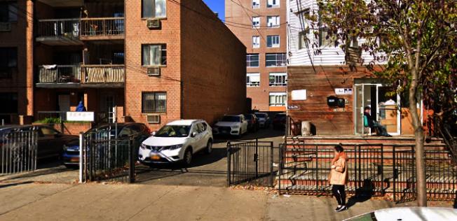 一名華裔男子在41路公寓內被他人刺傷多刀,送醫後情況穩定。(取自谷歌地圖)
