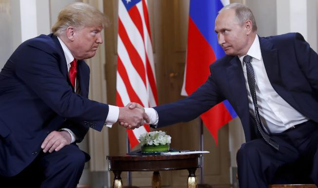 情治報告顯示,俄羅斯正在企圖干擾美國2020大選,並且期望川普總統連任;圖為川普和俄國總統普亭。(美聯社)