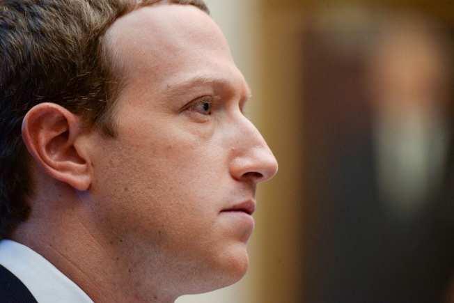 今年只有36歲的查克柏格身家已突破1000億。(Getty Images)