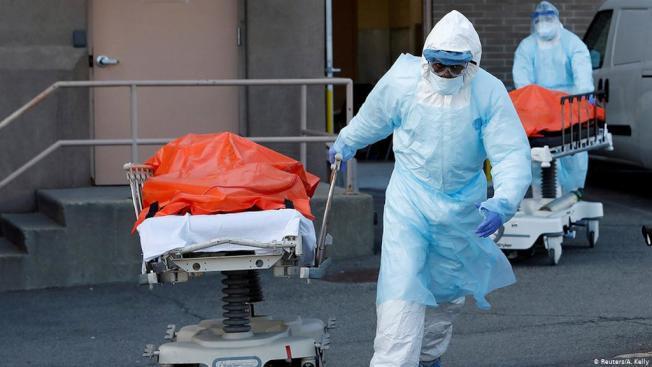 加州的疫症死亡人數6日突破1萬,而全美則破16萬。(Getty Images)