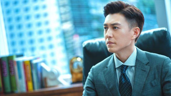靳東在「精英律師」中魅力十足。中天娛樂台提供