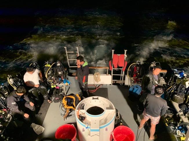 不少華人迷上潛水。(讀者提供)