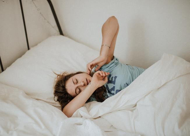 醫學研究:中年嗜睡增阿茲海默症風險