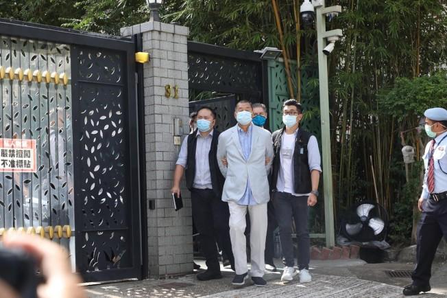 香港警方拘捕黎智英、其子及壹傳媒高層等7人,指違國安法、欺詐等罪。(取自立場新聞)