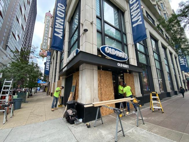 芝加哥密西根大道及州街商店遭洗劫。特派員黃惠玲╱攝影