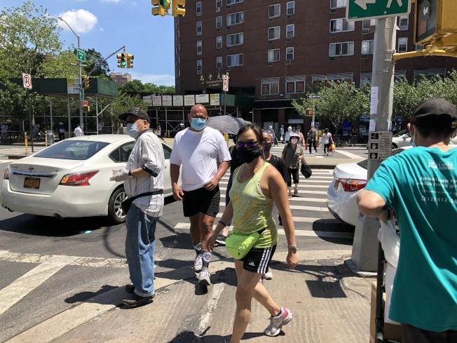 紐約市今日至12日將進入連續高溫,市府開放避暑中心,不過民眾需注意防疫措施。(記者顏嘉瑩/攝影)