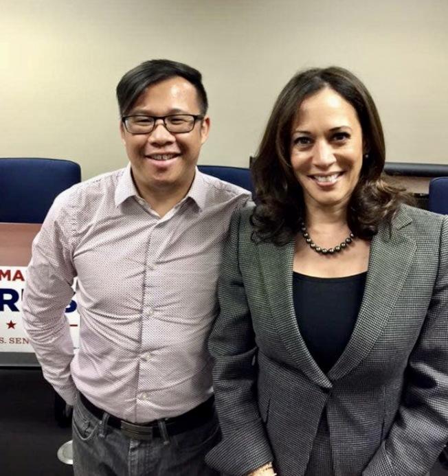羅霈霆(左)四年前力挺賀錦麗競選加州聯邦參議員。(羅霈霆提供)