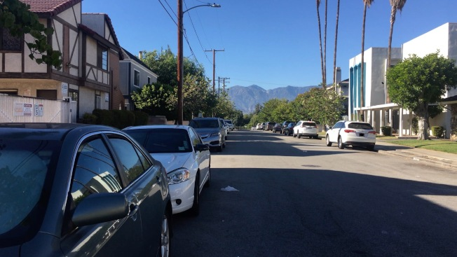 聖蓋博居民區11日下午發生槍擊案,一名亞裔受害者中槍送往就醫。(記者王全秀子/攝影)