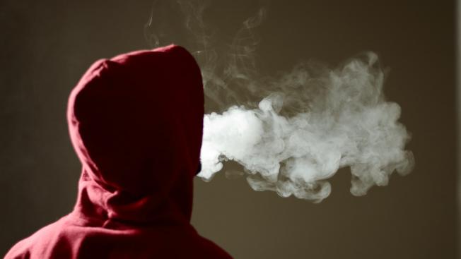 史丹福醫學院研究發現,吸電子菸青少年感染新冠病毒的機率是不吸菸者的七倍。(Getty Images)