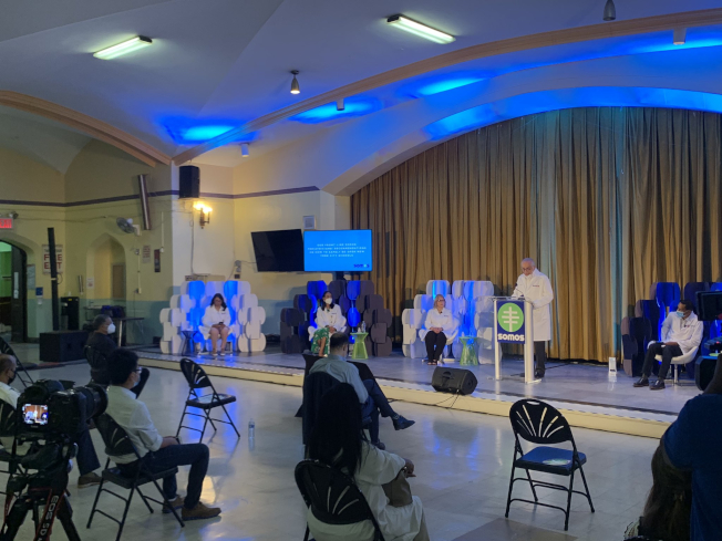 和諧社區醫療大聯盟多名兒科醫生建議市府和教育局保證返校學生每周接受兩次病毒檢測。(取自推特)