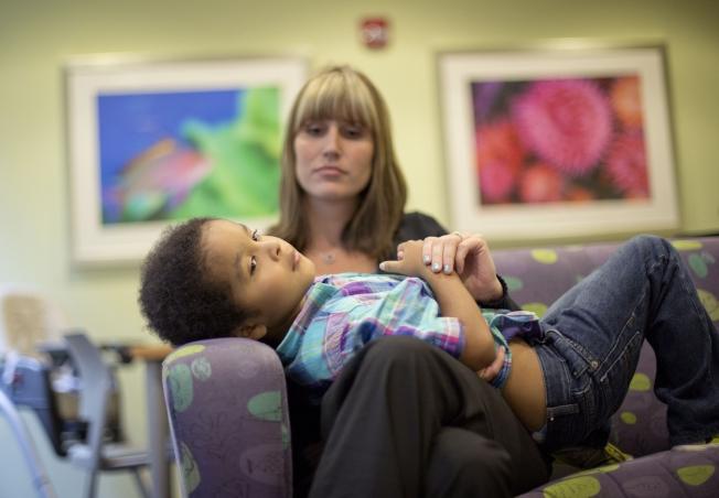 疫情期間不少家庭面臨特殊子女生活、財務、法律糾紛而措手不及,建議有特殊兒童的家庭提早規畫監護權內容,照片僅示意用。(美聯社)