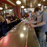 費城9.8開放堂食、電影院 勞工節後開放避免長周末人潮