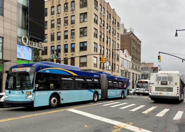 雖然紐約市的經濟正在逐漸重啟,MTA的乘客數量仍遠少於疫情前。(記者朱蕾/攝影)