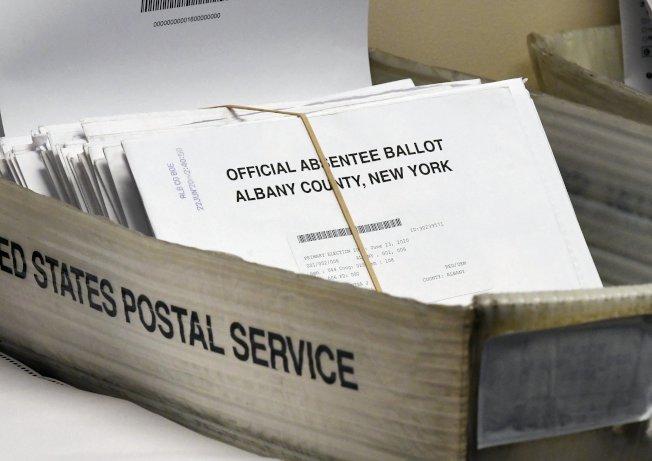 紐約市的登記選民,可通過網路申請大選不在籍投票。(美聯社)